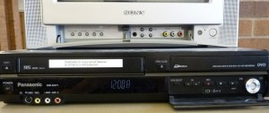 Picture of VHS to DVD Converter Button Controls