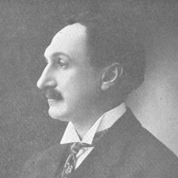 headshot of Maximo Soto Hall